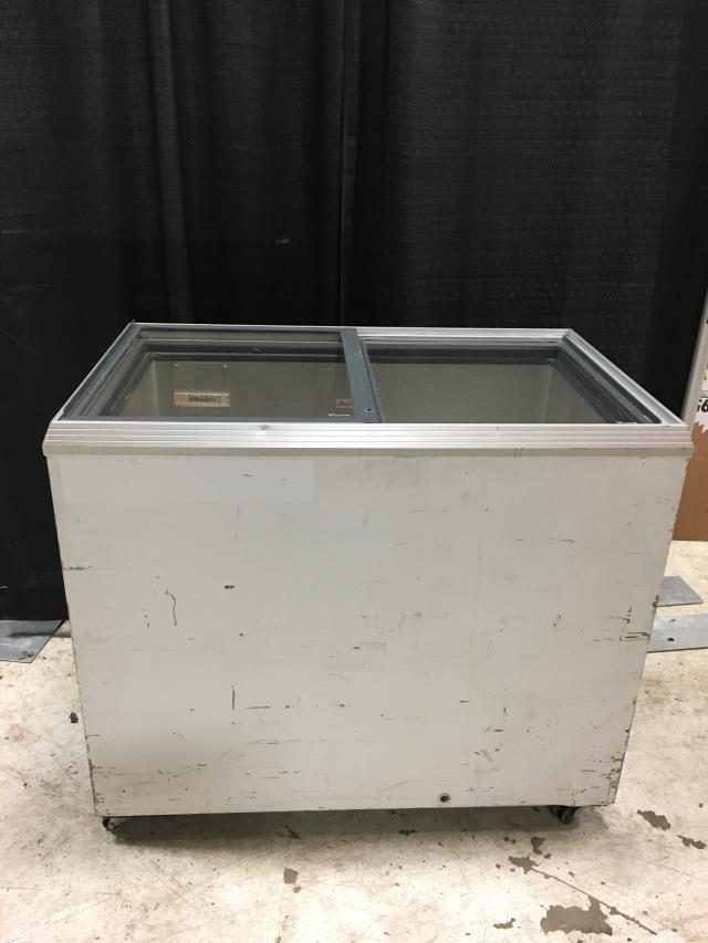 Where to find FREEZER, PORTABLE WHITE GLASS TOP in Detroit
