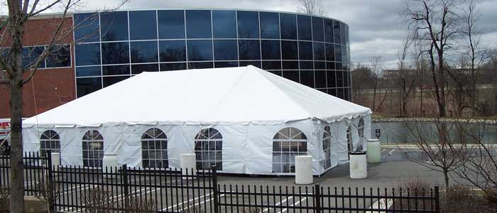 Tent rentals in Rochester Michigan, Troy, Shelby, Auburn Hills, Utica MI